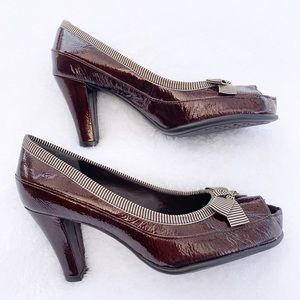 Aerosoles Brown Peep Toe Patent Leather Pumps Bow